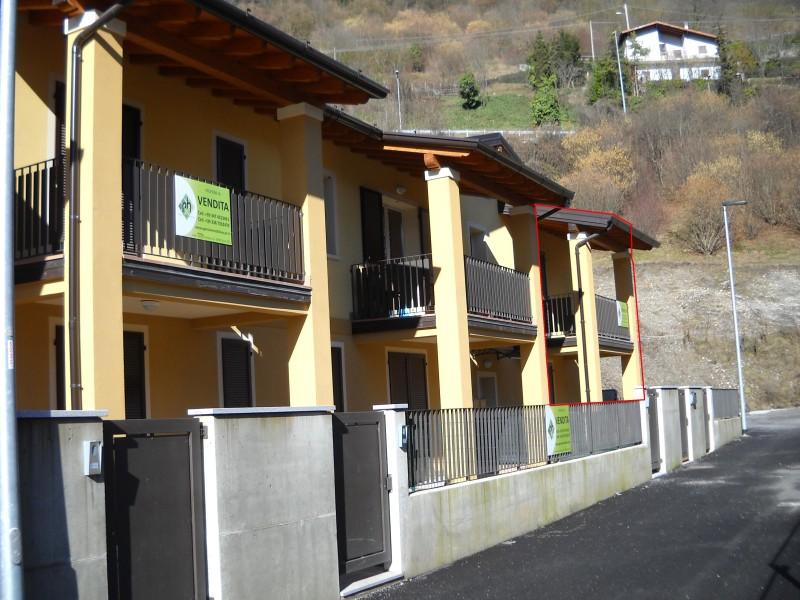 Villa di testa in vendita ad anfo rv0036 agenzia for Piani di casa con garage rv in allegato