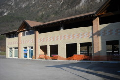 Capannone commerciale a Condino CV0003