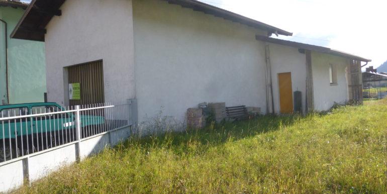 Capannone artigianale con terreno agricolo a Ponte Caffaro RV0125