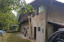Casa da monte indipendente loc. Plazene RV0138