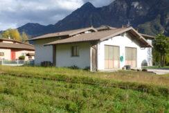 Capannone artigianale con possibilità di abitazione + terreno agricolo a Ponte Caffaro RV0125