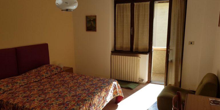 Appartamento a piano primo a Pieve di Bono in affitto AF009 camera