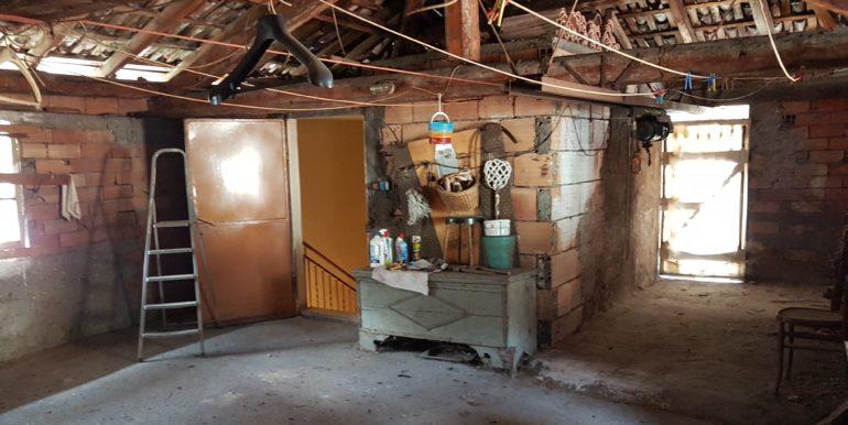 CASA CIELO-TERRA DA RISTRUTTURARE COMUNE DI STORO (TN)