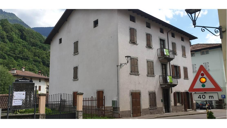 Appartamento a secondo piano RV0172