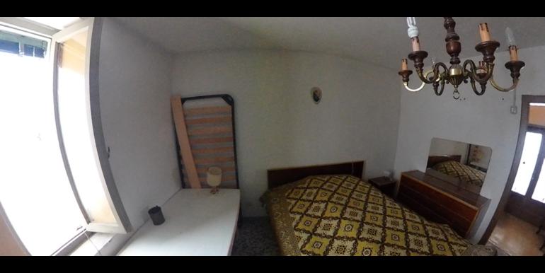 832_1112x628-Camera_2b