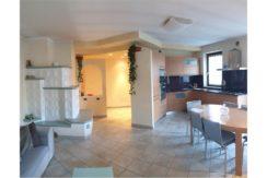 Appartamento a piano secondo RV0162