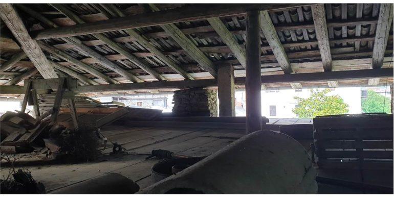 Casa Terra-cielo da ristrutturare  RV0175
